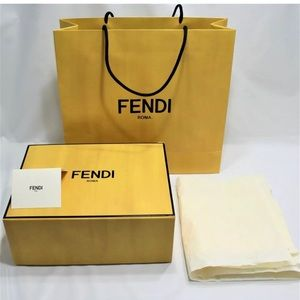 ❤️SOLD ❤️FENDI Empty Magnetic Purse Box Gift Set